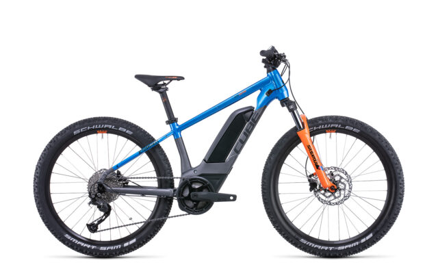 Cube Acid 240 Hybrid Rookie Pro 400 actionteam (Bike Modell 2022) bei tyl4sports.at
